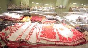 Kép: Muzeális értékű úrasztali terítők áztak el Kecskeméten